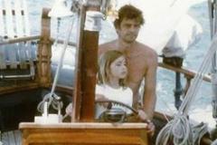 Io e papà timoniamo la nostra barca Cossyra
