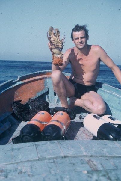 Papi e una succolenta cicala di mare